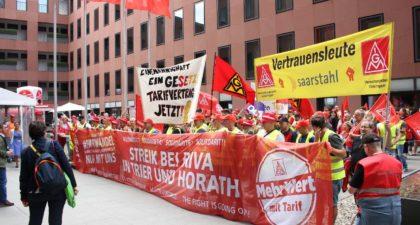 Verhandlung geplatzt: Riva-Beschäftigte streiken weiter